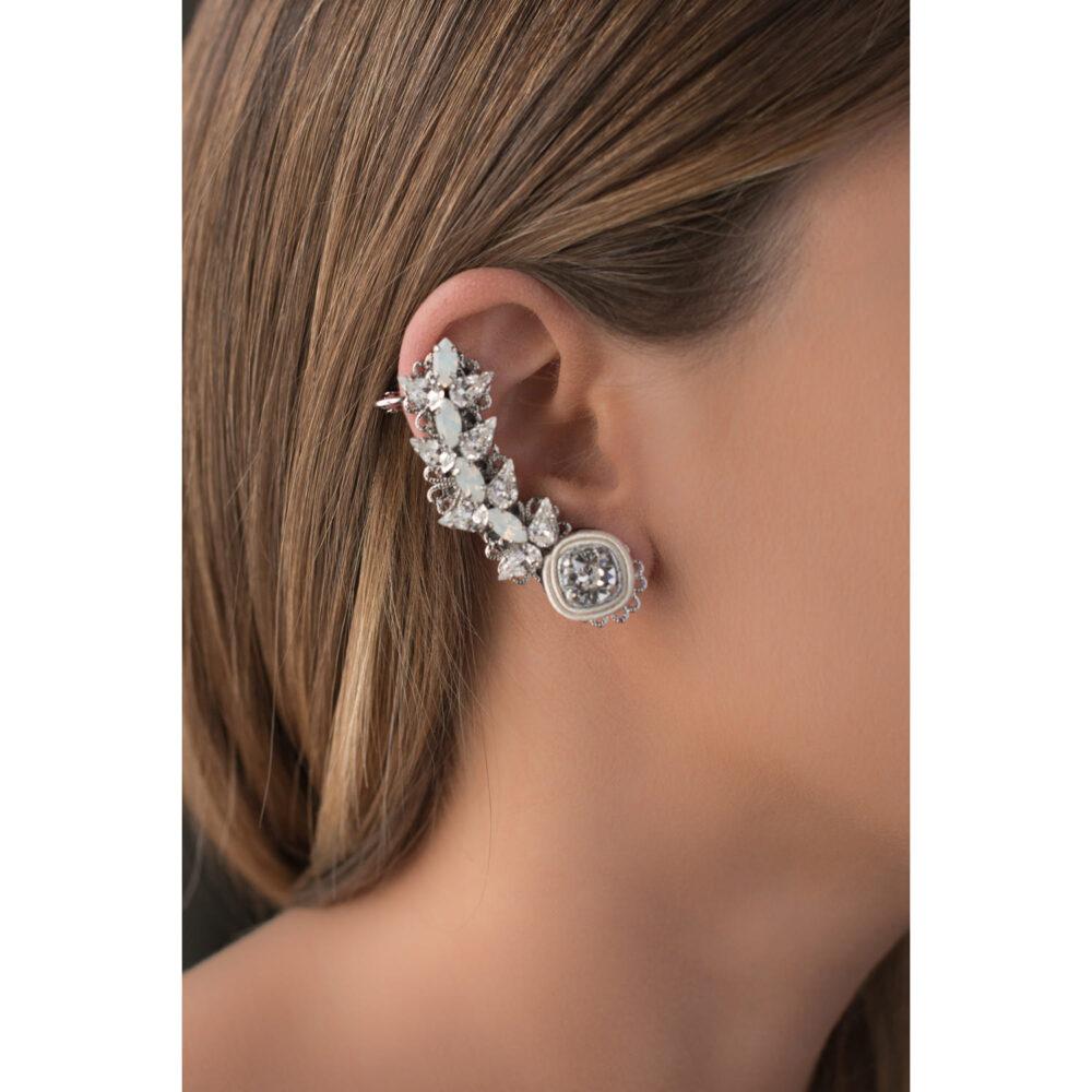 Mono orecchino ear cuff da donne con gocce e decorazioni in seta e cristalli swarovski e Orecchino a bottone punto luce cristalli swarovski brillanti