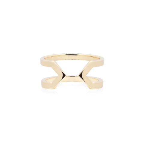 Anello da donna a forma di due V finale a punta, speculare, specchiato. In argento 925 placcato oro, aperto e regolabile. Anallergico fatto in Italia da DIVAG